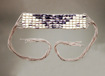 Man's Wampum armband Montaup; Wampanoag wampum; 2013: N. Dartmouth, Massachusetts; Purple and white wampum shell beads, cotton warps; 2